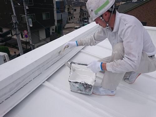 (株)クラスプラスのガイナ塗料施工風景